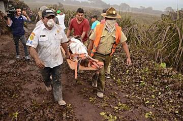 Guatemala: Volcán desata un desastre y suben las víctimas