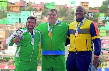 El atletismo le regala dos  medallas de plata al país