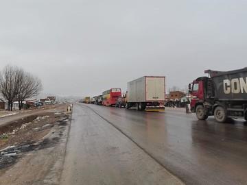 Cierran ruta Oruro-Cochabamba debido a nevadas