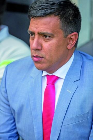 César Farías justifica derrota