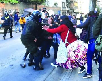 Estalla violencia y hay detenidos en disputa por la Fejuve