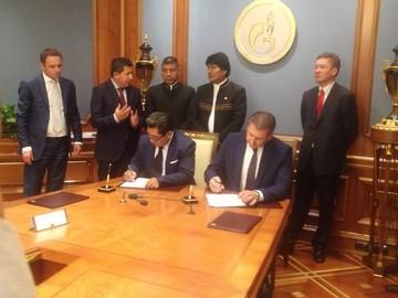 Bolivia y Gazprom firman acuerdo para invertir $us 1.220 millones en Chuquisaca