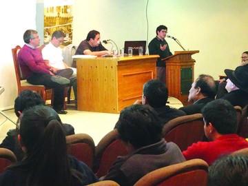 """La Agetic presenta su libro """"Estado TIC"""" en Bolivia"""