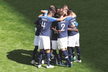 Francia supera a Australia y arranca el Mundial con victoria (2-1)