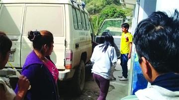 Vuelco vehicular deja 2 heridos en Sud Yungas