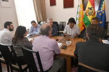 Morales evalúa respuesta sobre el Silala en La Haya