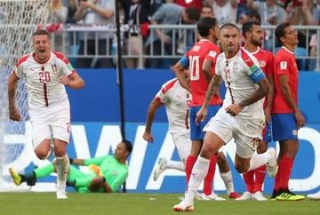 Costa Rica cae ante Serbia y se complica su pase a octavos