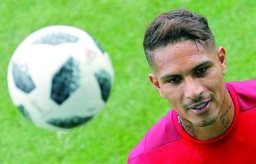 Guerrero se perfila como titular en Perú