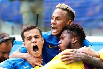 Brasil sufre para ganar en el descuento (2-0) y elimina a Costa Rica