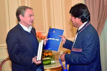 """Zapatero aboga por un """"diálogo útil"""" con Chile"""
