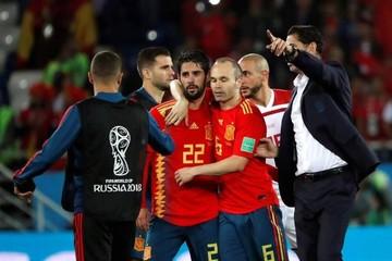 España sobrevive y lidera el grupo para medirse con Rusia tras final de infarto