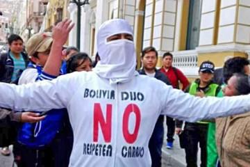 Avivan lucha contra la reelección y el MAS promete contrarrestarla