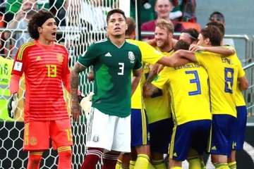 México se hunde ante Suecia (3-0) pero el triunfo de Corea la clasifica