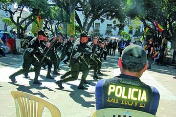 Policía busca superar sus debilidades para mejorar el servicio a la población