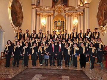 Coral Antonio Auza celebra Bodas de Oro