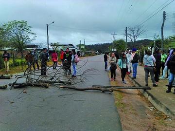 Macharetí: Estudiantes exigen equipamiento