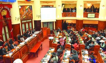 MAS avala acciones del Gobierno y apunta a Mesa en caso Quiborax