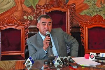 Rivero dimite a la U; hoy eligen a su sucesor