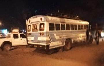 Senasag incauta un bus con 300 cajas de fruta peruana de contrabando