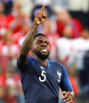 Umtiti adelanta a Francia sobre Bélgica (1-0)