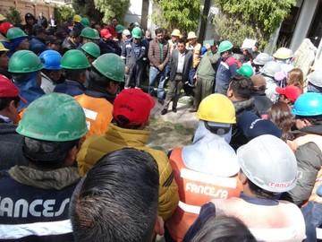 Trabajadores y transporte avivan tensión en Fancesa