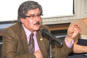 Rector de la UMSA exhorta a policías y militares a servir al país y no a un Gobierno