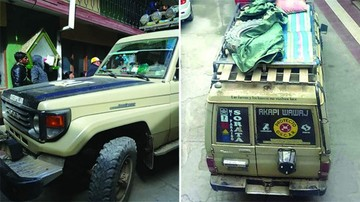Vehículo en El Alto llevaba un cadáver  encima de parrilla