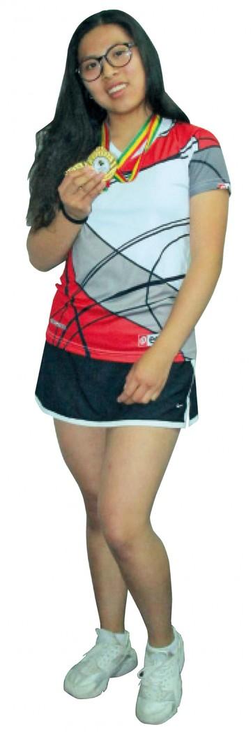 Mayte Mendoza una raqueta llena de ilusión
