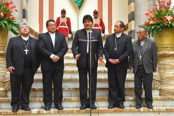 Gobierno e Iglesia acuerdan impulsar temas educativos y mejor coordinación
