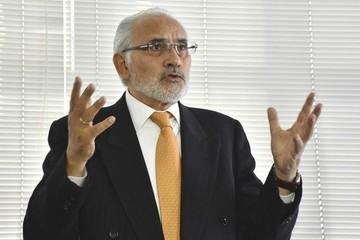 Mesa afirma que Arce, Menacho, Navarro y Arismendi deben ser los que paguen los $us 42,6 millones