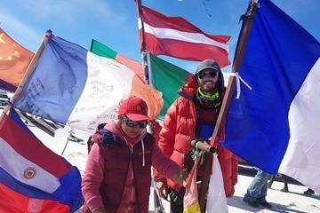 Francés invidente concluye travesía de 140 km por el salar de Uyuni en seis días