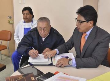 Muñoz: Demoran entrega de cartas de García Meza