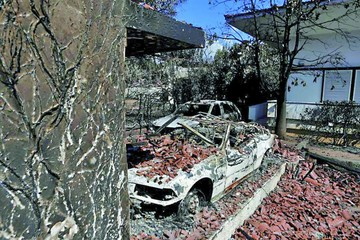 Grecia busca a culpables de mortíferos incendios