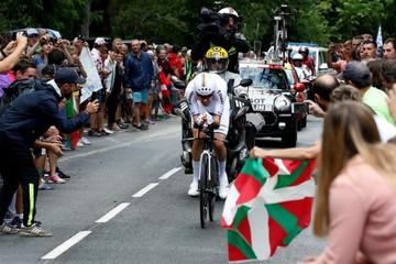 Dumoulin se impone en la crono de Espelette, Thomas virtual ganador del Tour