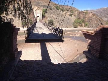 Aún no reparan el histórico puente Sucre