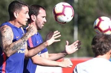 Godín, Giménez y Filipe Luis regresan a los entrenamientos del Atlético