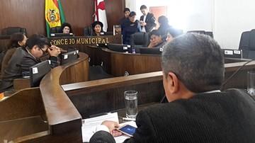 Informe mal dirigido enoja a Concejo con el Ejecutivo