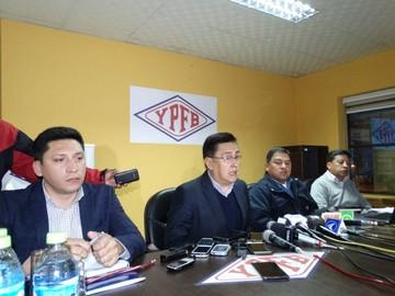 YPFB afirma que cumple fallo al trasladar a gerente y director
