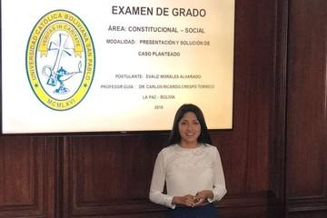 Evaliz, hija del presidente Morales, rinde su examen de grado para ser abogada