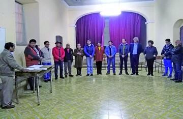 Junta vecinal de San Lázaro reelige a Felipe Medina