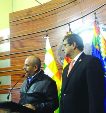 Oposición pide cuentas a Fiscal General saliente