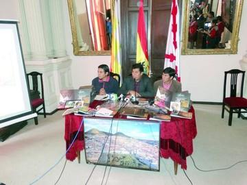 Oficializan las actividades  del 6 de Agosto en Sucre