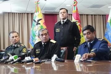 Jefe de la Casa Militar es destituido del cargo por robo de la medalla presidencial