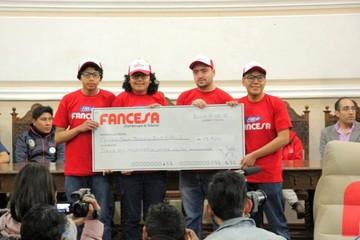 Equipo boliviano de robótica recibe apoyo económico de Fancesa