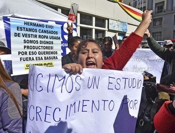 Protestan contra doble aguinaldo y el Gobierno