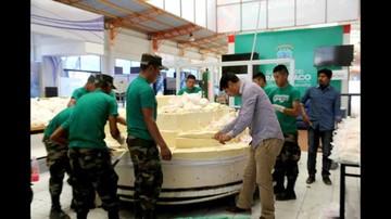 Distribuyen queso más grande de Latinoamérica en feria de Yacuiba
