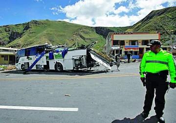Accidente en Ecuador deja 24 muertos