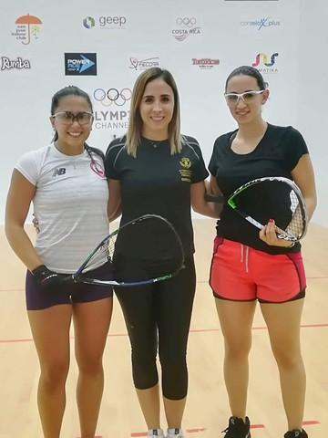 Moscoso y Sabja avanzan en el Mundial