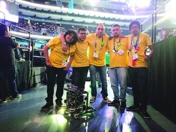 Bolivia festeja destacada participación en robótica