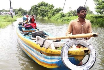 Peores inundaciones en India dejan más de 200 fallecidos